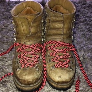 Vintage MUNARI Heavy Brown Leather Hiking Boots